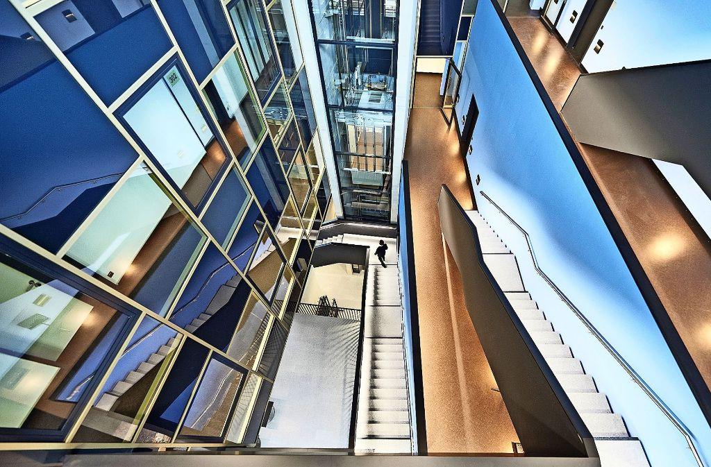 Design-Ikone: das Atrium-Treppenhaus im Filum Foto: Karl-Schlecht-Stiftung/Mario P.  Rodrigues