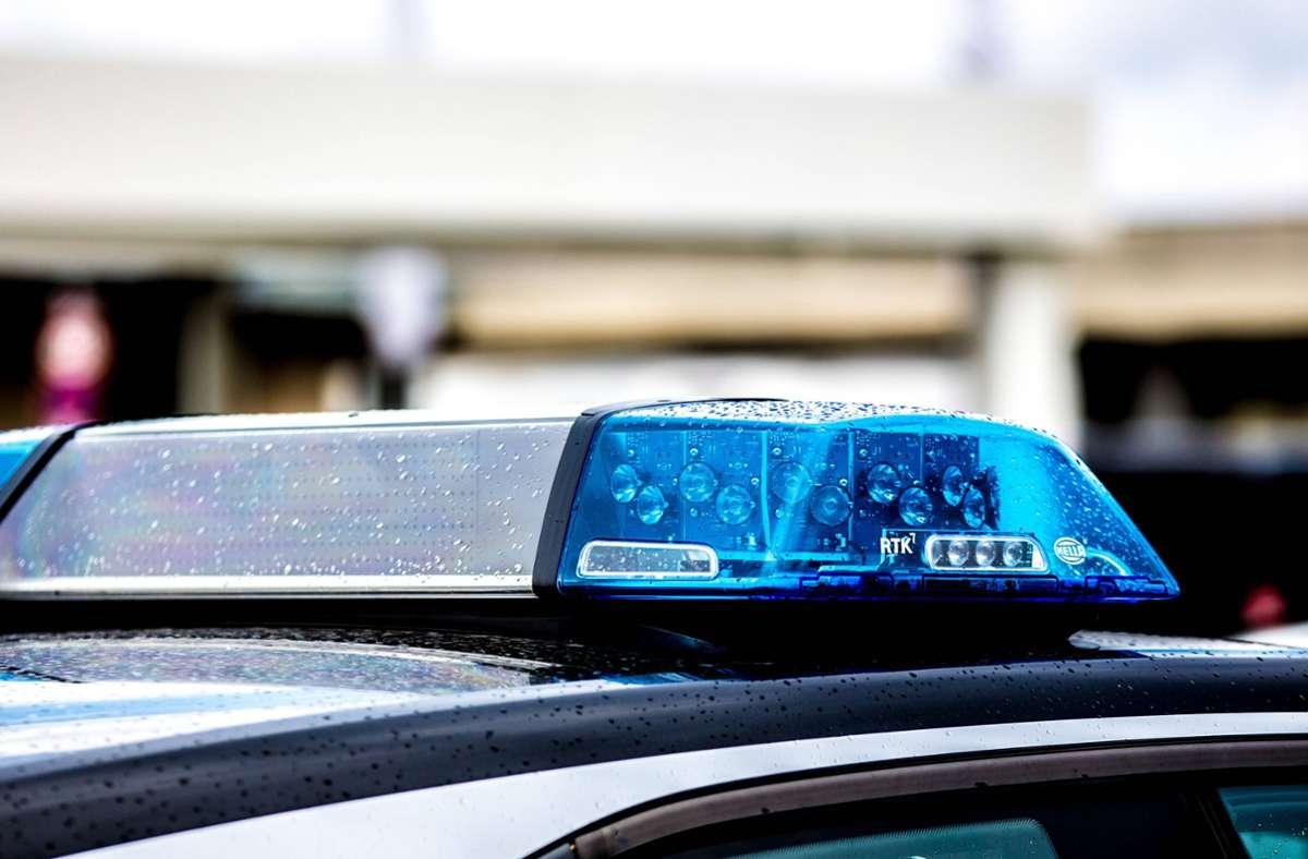 Die Polizei bittet nach einem Unfall zwischen einem Fahrradfahrer und einer älteren Dame um Zeugenhinweise. (Symbolfoto) Foto: imago images/Fotostand/Fotostand / K. Schmitt via www.imago-images.de