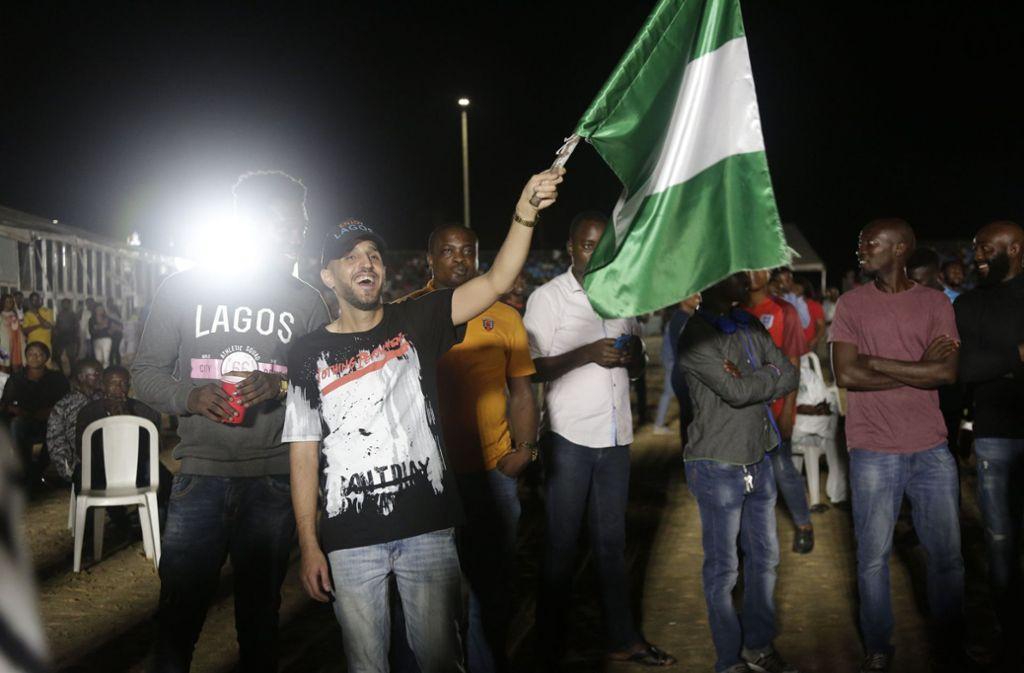 In Nigeria fiebern die Fans mit ihrem Team bei der WM 2018. Foto: AP