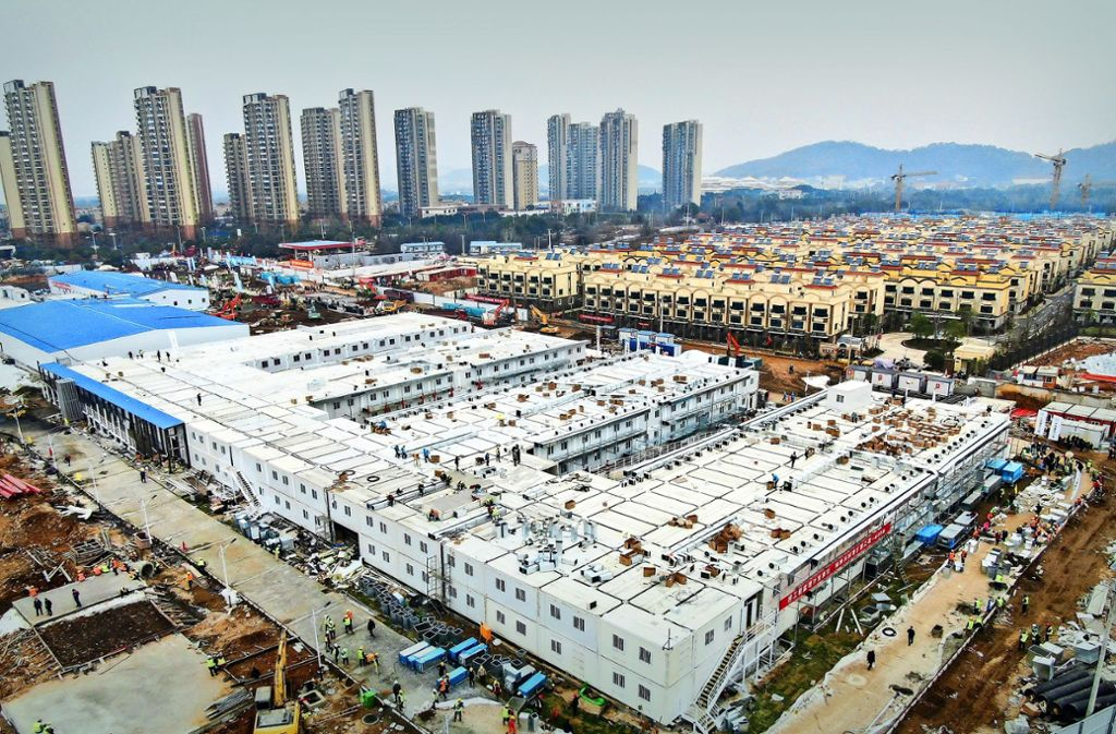 Das Krankenhaus von Wuhan: 1400 Mediziner behandeln hier 1000 Infizierte. Foto: dpa