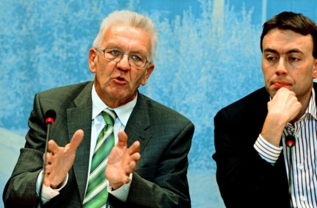 Nur bedingt zufrieden: die Regierungsspitzen Winfried Kretschmann (links), Nils Schmid Foto: dpa
