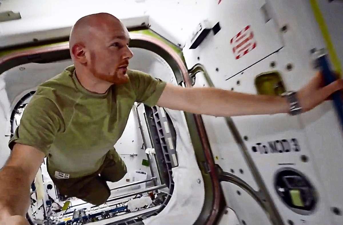 """Beim Blick aus dem All macht er sich Sorgen um die Zukunft des Planeten  Erde: der Astronaut Alexander Gerst im Berlinale-Film """"Wer wir waren"""" Foto: Wer wir waren/ X Verleih"""