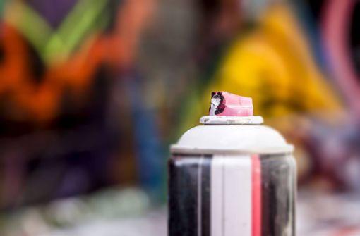 Mutmaßlicher Graffiti-Sprayer auf frischer Tat ertappt
