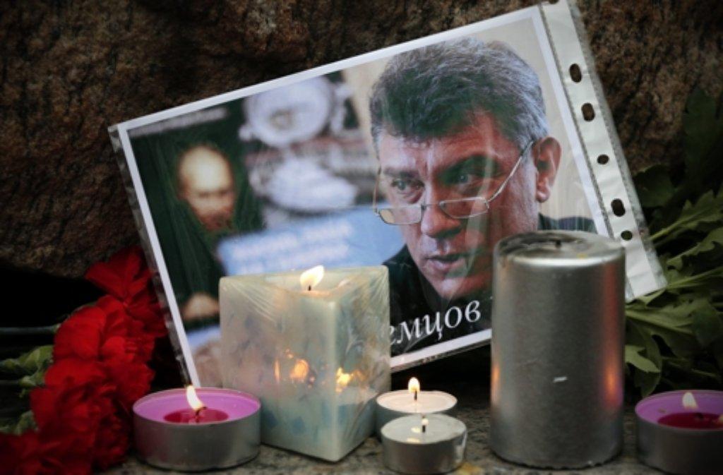 Der Kreml-Kritiker Boris Nemzow war am Freitagabend in Moskau erschossen worden. Wer steckt hinter der Tat? Foto: EPA