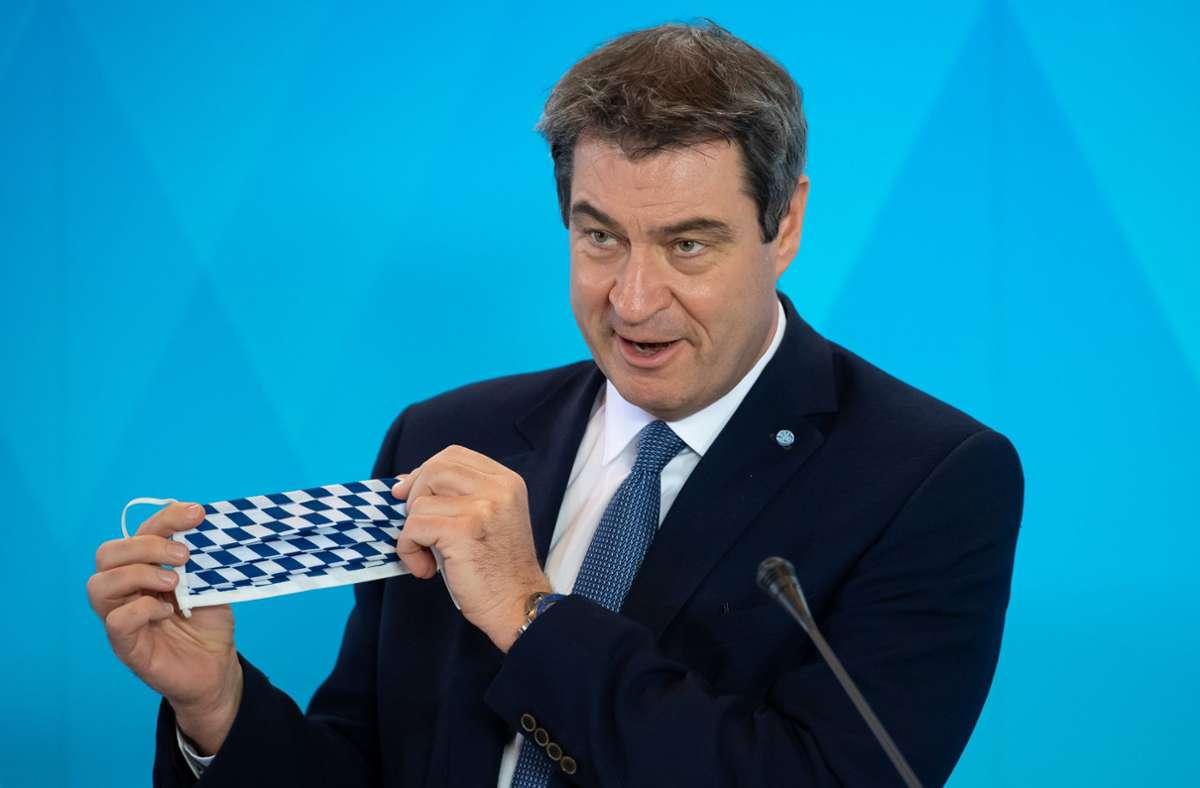 Markus Söder steht auch nach der Panne hinter der Ministerin. (Archivbild) Foto: dpa/Sven Hoppe