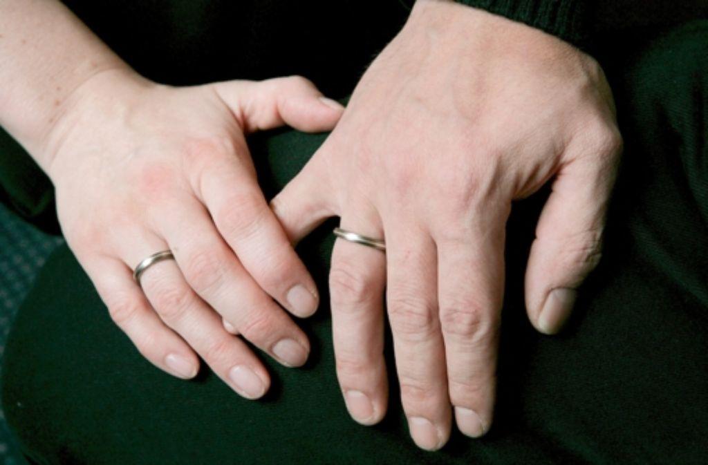 Der Staat macht es binationalen Paaren alles andere als einfach. Foto: dpa-Zentralbild