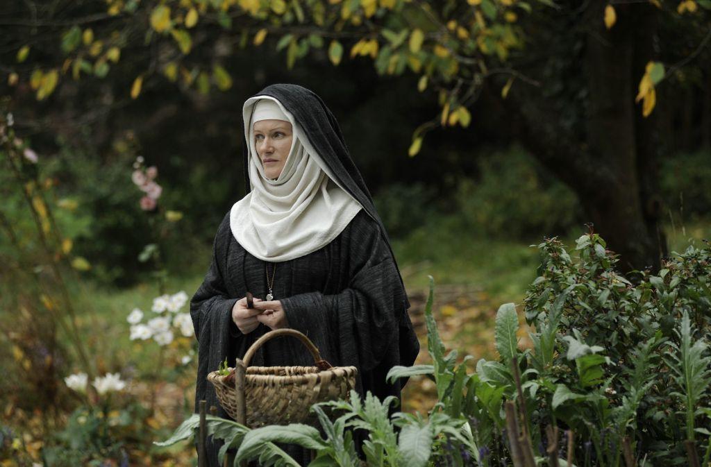 """Der deutsche Historienfilm  """"Vision – Aus dem Leben der Hildegard von Bingen"""" aus dem jahr 2009 schildert das Leben der Hildegard von Bingen (Szene mit Barbara Sukowa als Hildegardis). Foto: Verleih"""