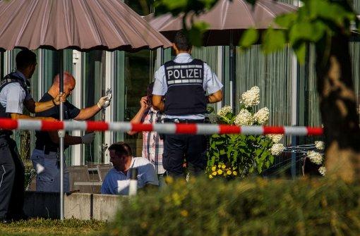 Verdächtiger springt von Hotelbalkon in den Tod
