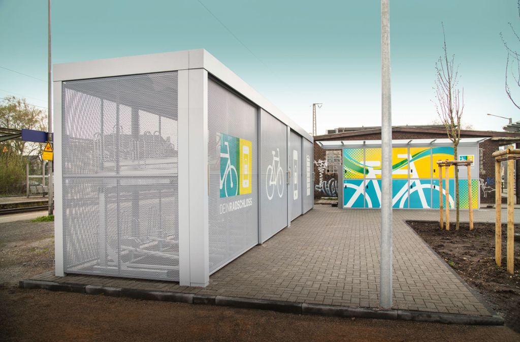 Eine ähnliche Sammelgarage wie diese hier soll an der Paulinenbrücke nahe des Einkaufzentrums Gerber für Fahrräder aufgebaut werden. Foto: Kienzler Stadtmobiliar GmbH