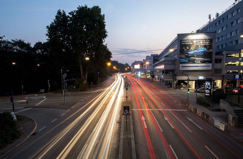Von Dezember 2019 an solle auch ein Fahrverbot für Euro-5-Diesel in ganz Stuttgart geben. Foto: dpa