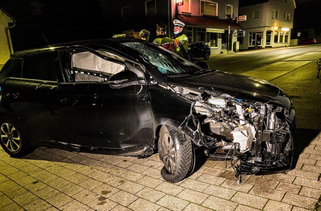 In der Nacht zu Dienstag kommt es in Stuttgart- Plieningen zu einen Unfall. Foto: 7aktuell.de/Alexander Hald
