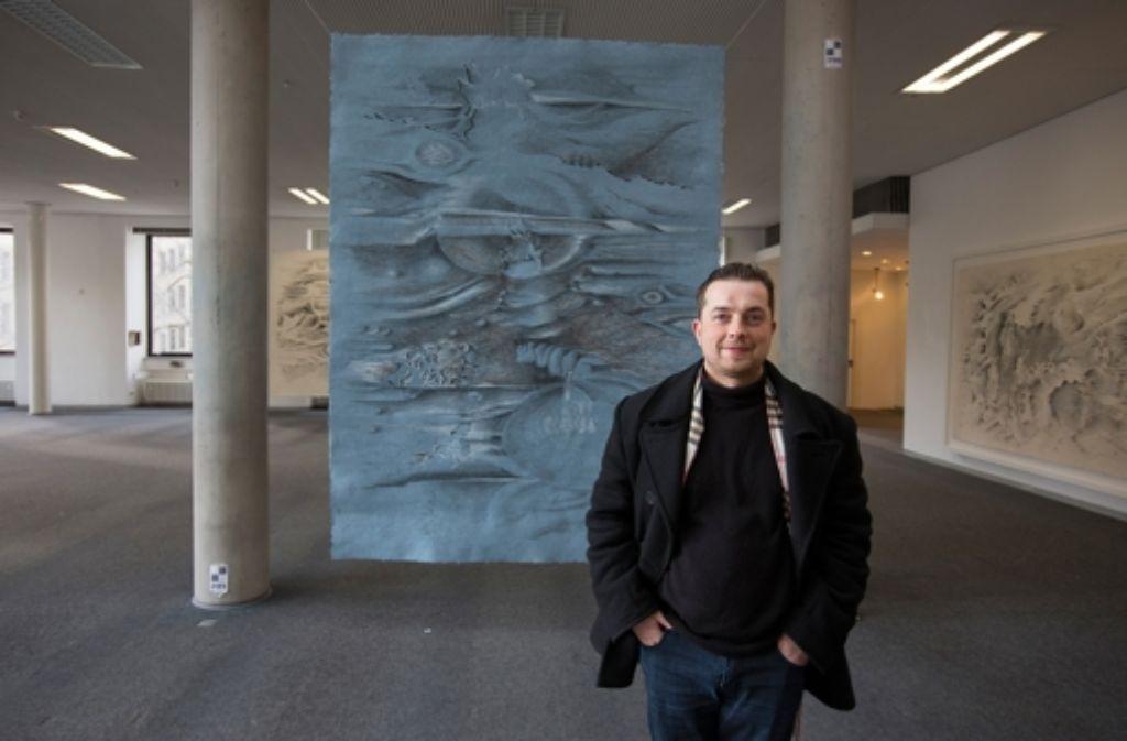 Der Künstler Clemens Schneider hat sich von Musik der US-amerikanischen Komponisten Philip Glass und Steve Reich zu seinen Bildern inspirieren lassen. Foto: Michael Steinert