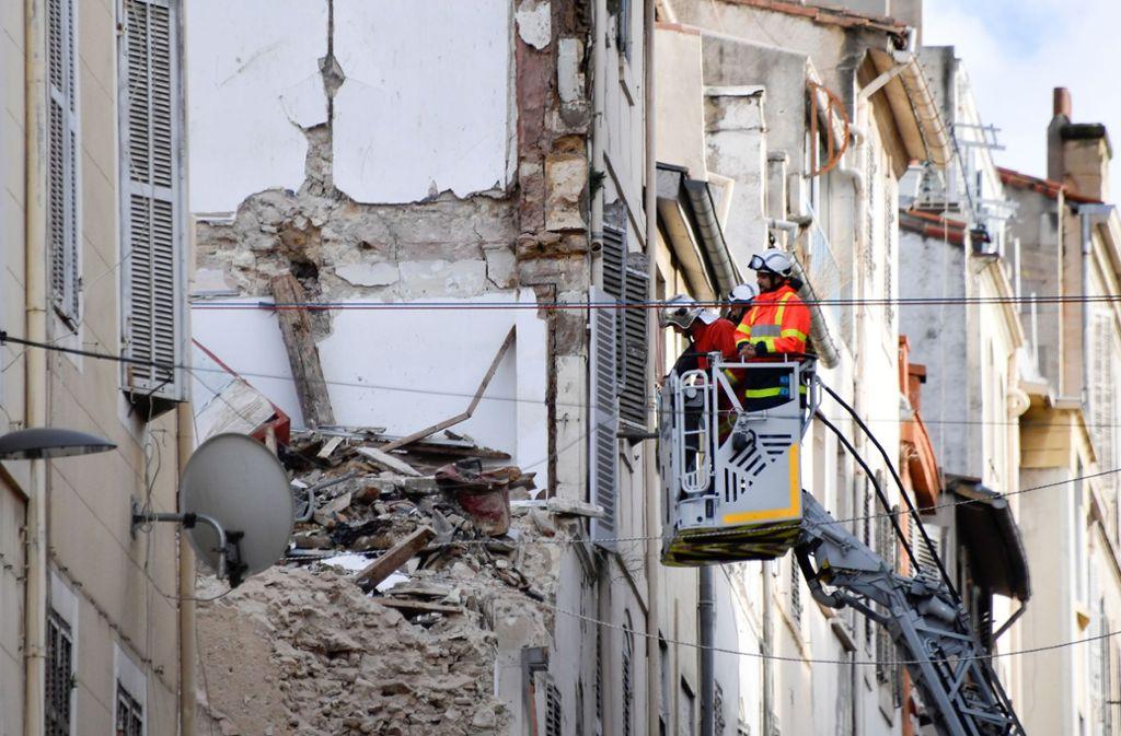 Nach den Hauseinstürzen in Marseille wird weiter eine Person unter den Trümmern vermutet. Foto: AFP
