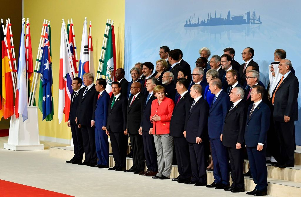 Das offizielle Foto vom G-20-Treffen in Hamburg mit allen beteiligten Politikern Foto: AFP