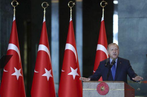 Türkische Regierung verbreitet Durchhalteparolen