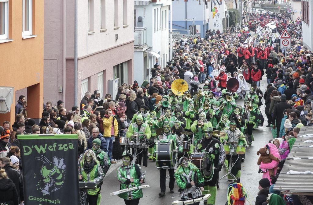 Wenige Stunden nach dem friedlichen Faschingsumzug  (hier ein Archivbild aus dem Jahr 2016) eskalierte die Situation in Ludwigsburg-Neckarweihingen. Foto: factum/Bach
