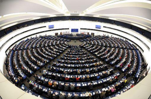 Heftiger Streit im Europa-Parlament