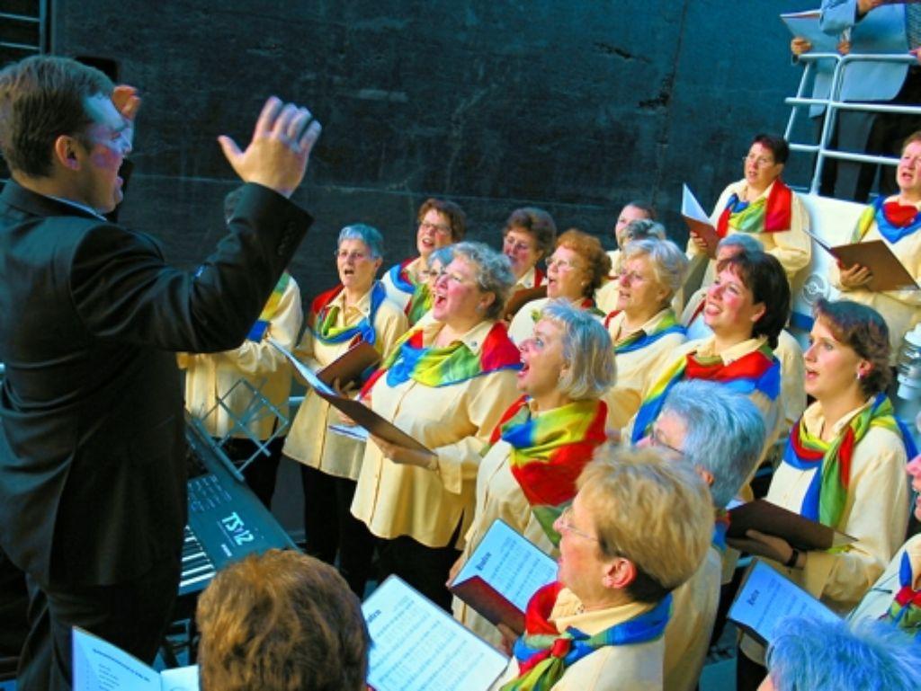 Das Schleusen-Kammer-Konzert auf dem Neckar fand 2003 statt. Foto: