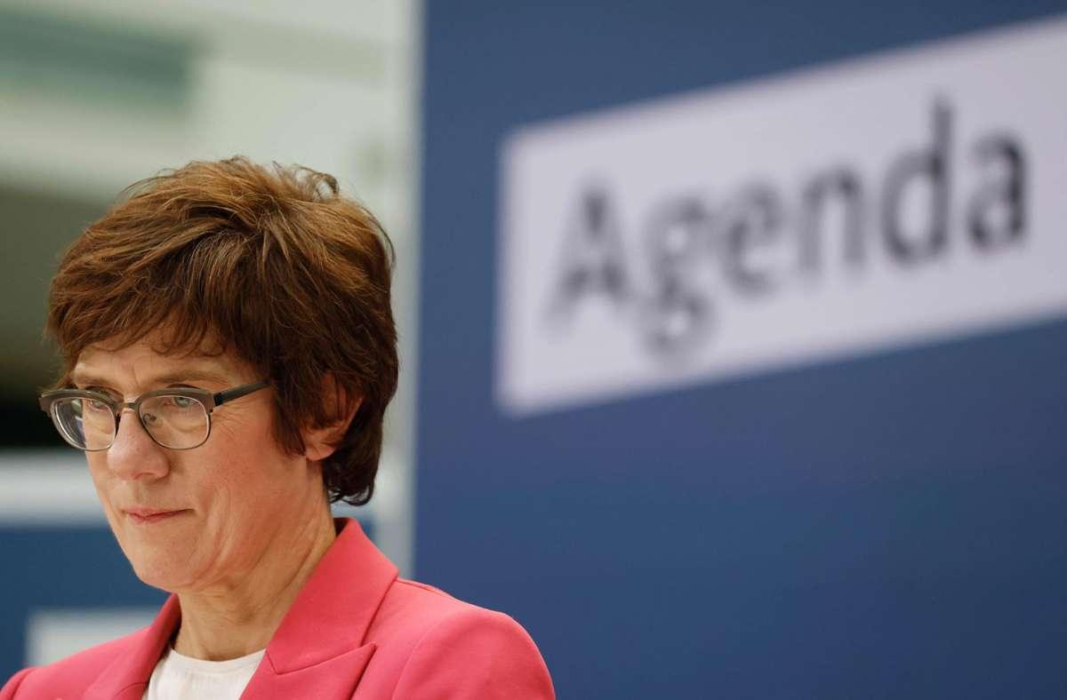 Verteidigungsministerin Annegret Kramp-Karrenbauer stellt den Bundeswehreinsatz in Mali in Frage. Foto: AFP/ODD ANDERSEN
