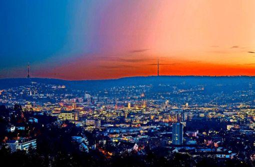 In aller Früh geht es von Marienplatz zum Fernsehturm.