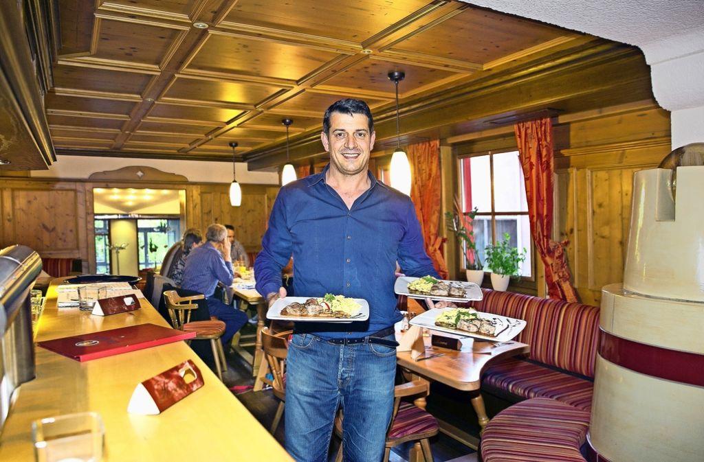 Der neue Betriebsleiter Jack Schupeck in der gemütlichen Stube Foto: Lichtgut/Horst Rudel