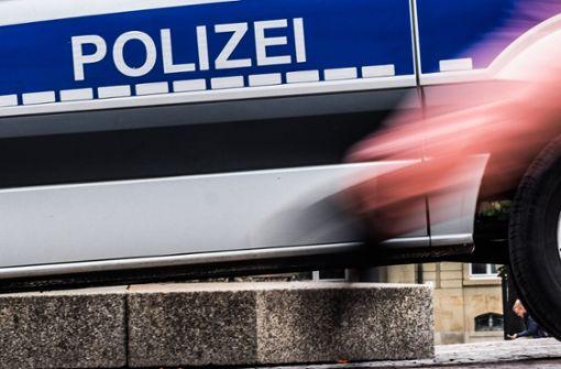 Exhibitionist entblößt sich auf dem Schlossplatz