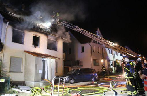 Vater und Töchter sterben bei verheerendem Brand