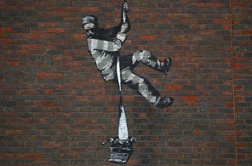 Banksy bekennt sich zu Graffito auf Ex-Gefängnis