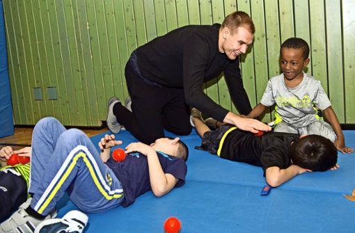 Holger Badstuber macht Schulkinder fit