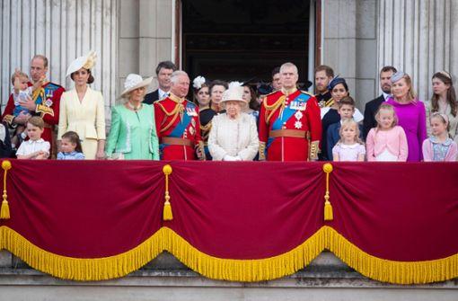 Die Königin sollte sich ihre Würde bewahren
