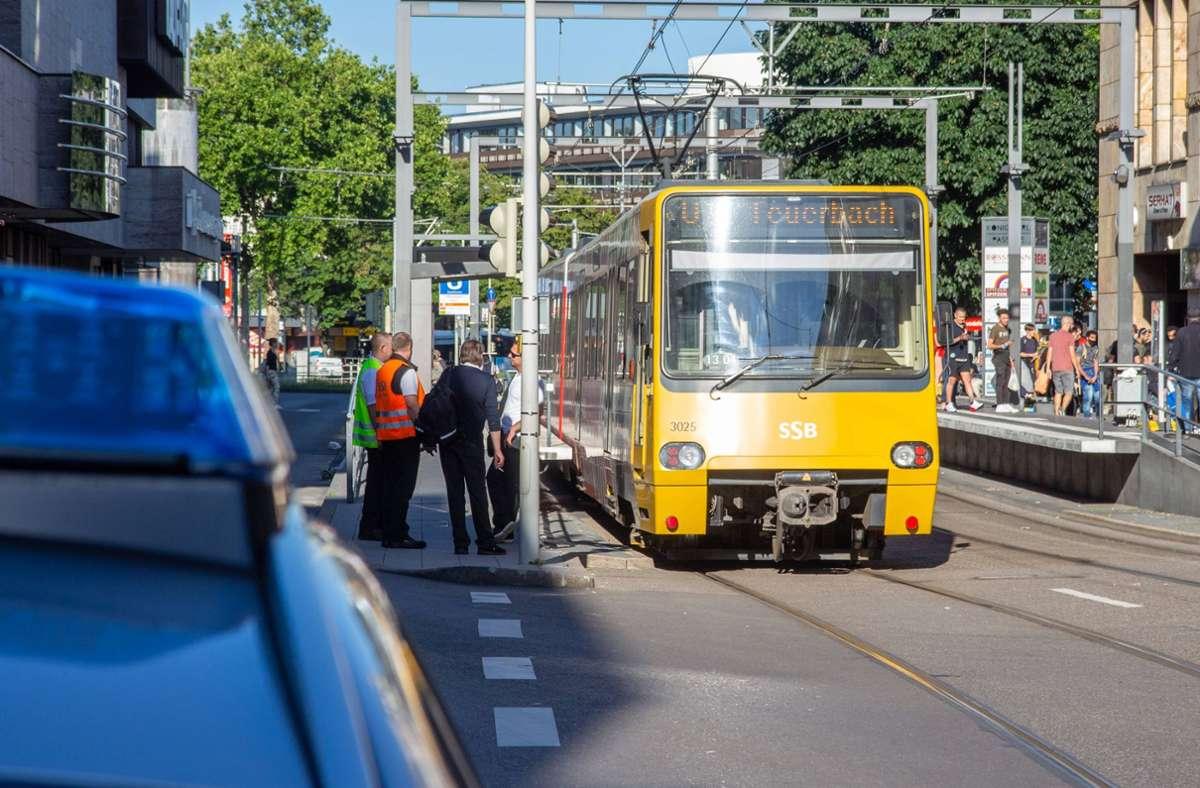 An der SSB-Haltestelle Bad Cannstatt Badstraße streifte eine fahrende Bahn einen Mann. Foto: 7aktuell.de/ 7aktuell/7aktuell.de | 7aktuell