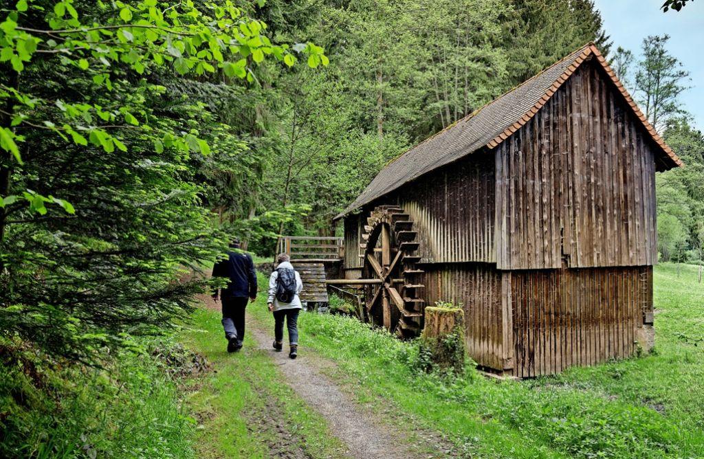 Wandern von Mühle zu Mühle: am Pfingstmontag war auch die Hummelgautsche zwischen Welzheim und Gschwend geöffnet. Foto: Eppler
