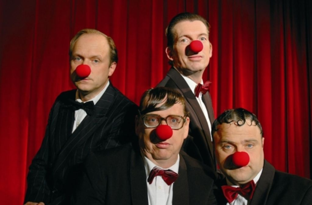 Quatsch gehört auch zu den Auftritten von Tukur (l.) und seinen Rhythmus Boys. Foto: Schröder