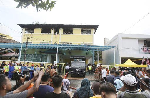 Brand in Schule fordert Dutzende Tote