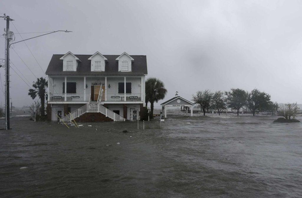 "Der Hurrikan ""Florence"" hat erste Todesopfer gefordert. Foto: FR170645 AP"