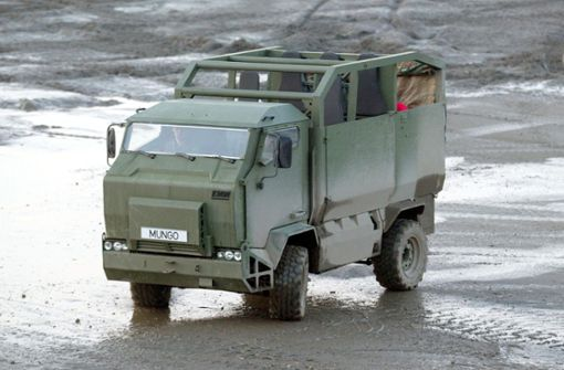 Lkw rammt Bundeswehrfahrzeug - Soldat in Lebensgefahr