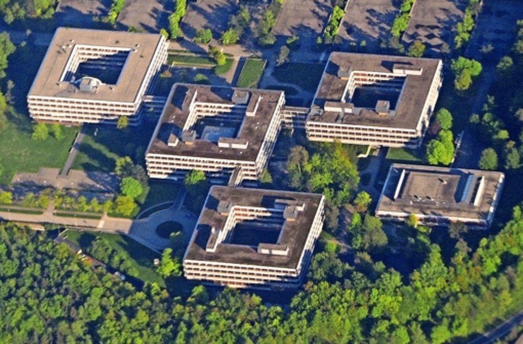 Die Zukunft der denkmalgeschützten Gebäude des Architekten Egon Eiermann am Rande Vaihingens ist ungewiss. Neues Baurecht soll Investoren anlocken. Foto: dpa