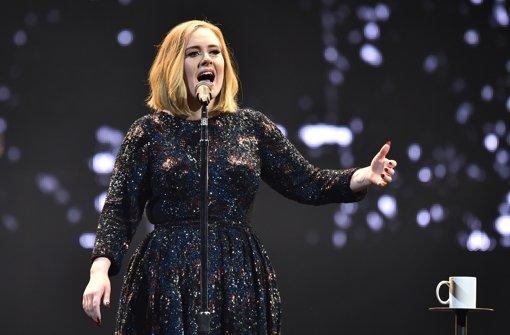 Adele flattern in Belfast die Nerven
