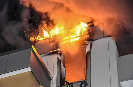 Wohnung im Stadtteil Dagersheim brennt nahezu vollständig aus