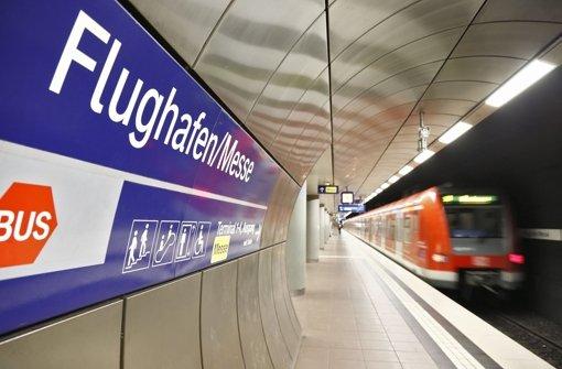 Die Stuttgarter Straßenbahnen (SSB) sehen eine eingleisige Lösung für die S-Bahn-Station am Flughafenterminal als schwierig an. Foto: dpa