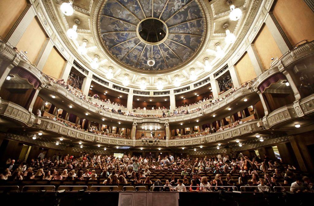 Wo treten die Oper und das Ballett während der Sanierung des Littmannbaus auf? Diese Frage soll bis zum Frühjahr 2017  entschieden werden. Foto: Leif Piechowski