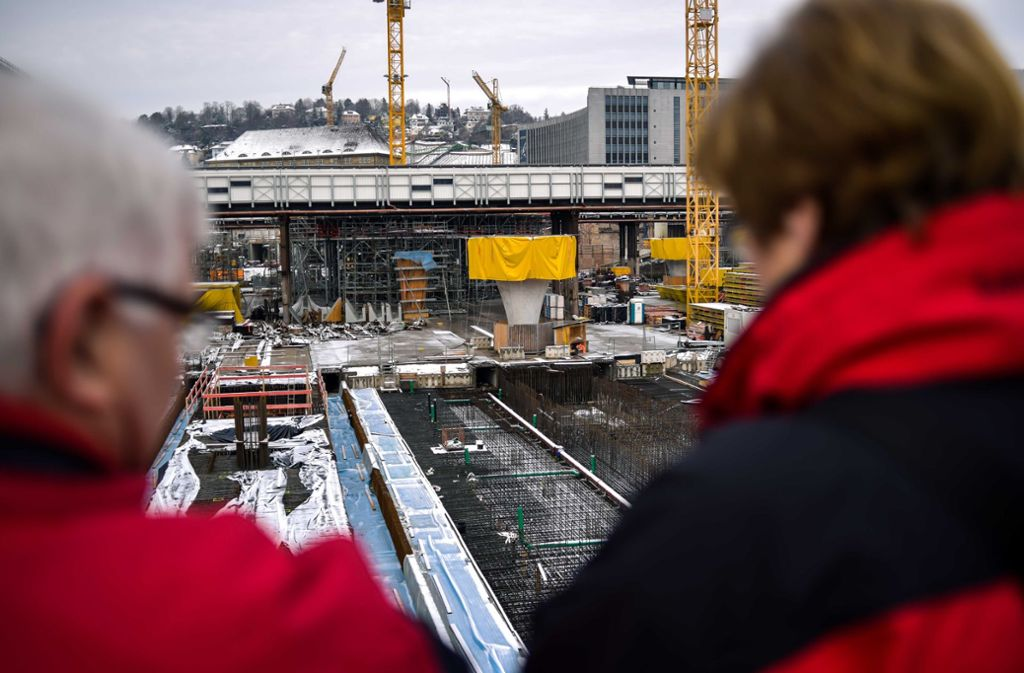 Bei den Tagen der offenen Baustelle gab es Einblicke in die Gruben Stuttgart21 – und aus Sicht der Kritiker unangemessene Werbematerialien. Foto: Lichtgut/Max Kovalenko