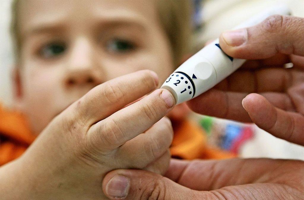 Viele Schulen scheuen sich davor, Verantwortung für Kinder und Jugendliche mit Diabetes zu übernehmen. Die Waldschule in Degerloch geht einen anderen, einen neuen Weg. Foto: dpa
