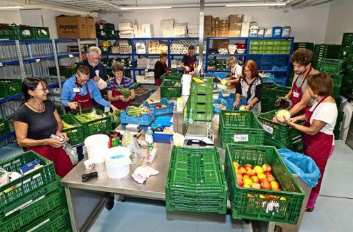 Brot und Obst für die Armen   der Überflussgesellschaft