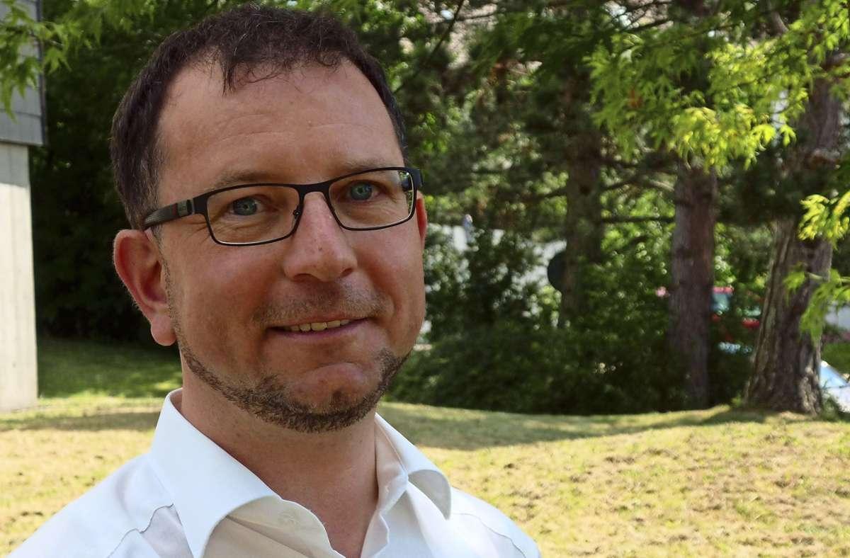 Dominik Weiß ist künftig für die  katholischen Gemeinden in Degerloch, Sillenbuch, Heumaden und Hohenheim zuständig. Foto: Judith A. Sägesser