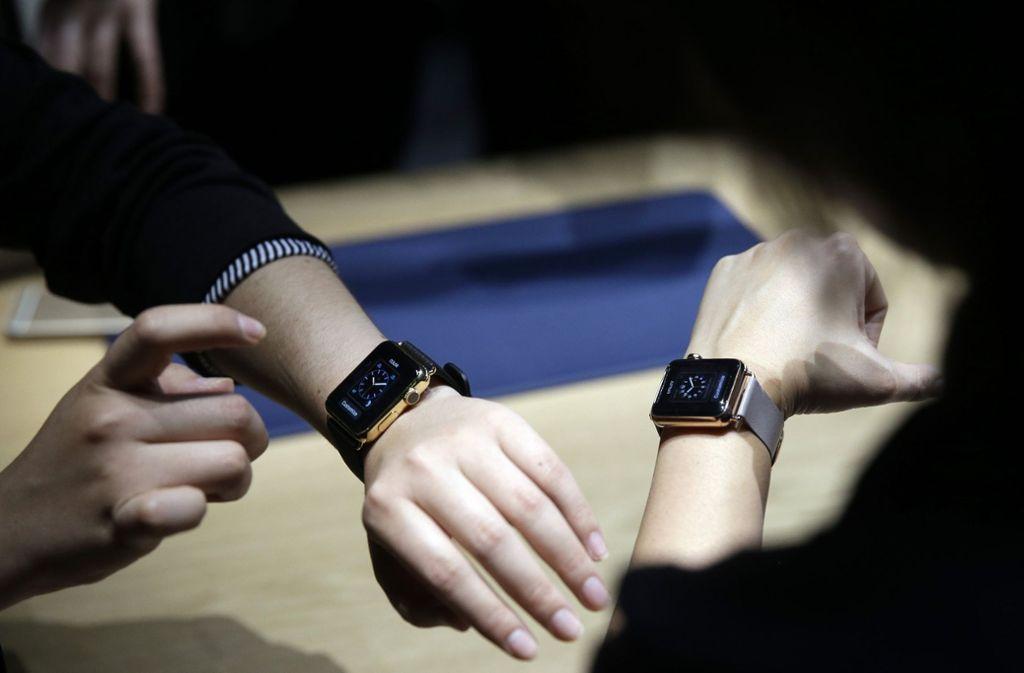 Mit der Apple Watch kann man künftig seine Herzfrequenz kontrollieren (Symbolbild). Foto: AP