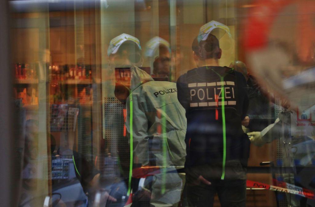 Hat derselbe Täter die Banken in Winnenden und Hall überfallen (Archivbild)? Foto: SDMG