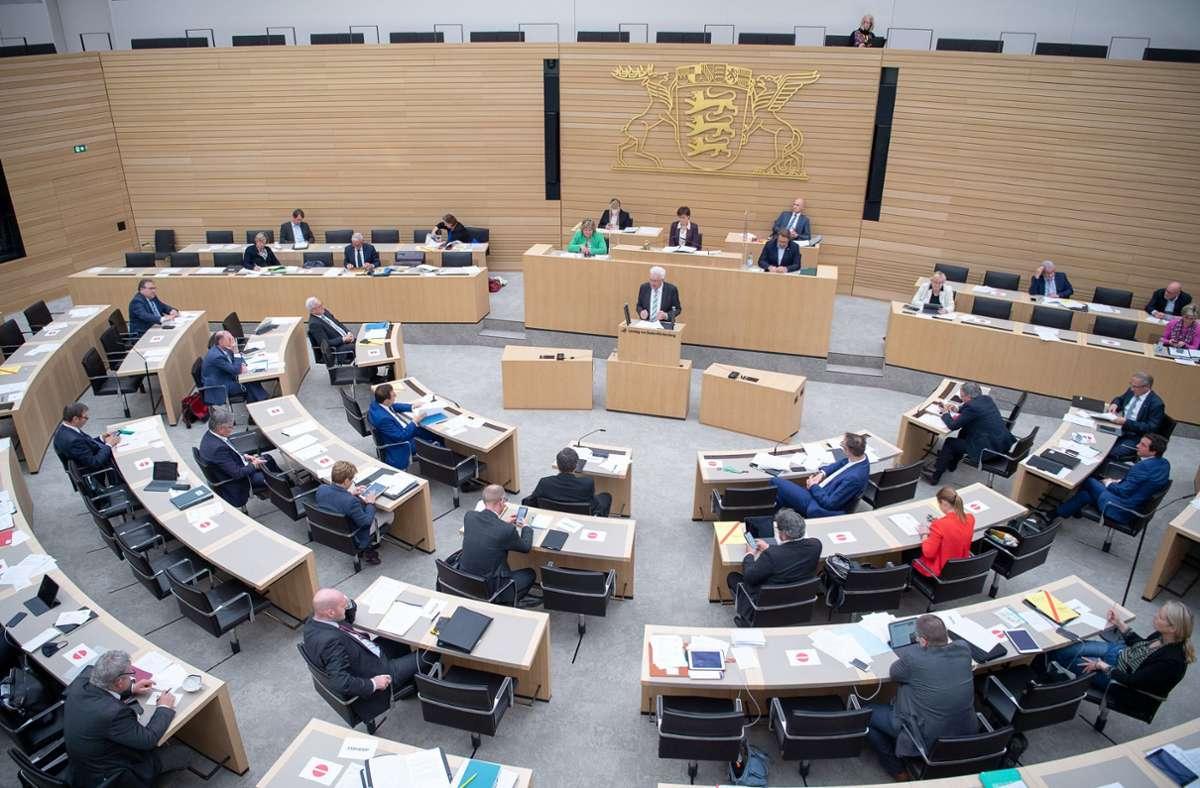 Die Fraktionen von Grünen und CDU haben sich auf einen milliardenschweren Nachtragshaushalt  verständig. (Archivbild) Foto: dpa/Sebastian Gollnow