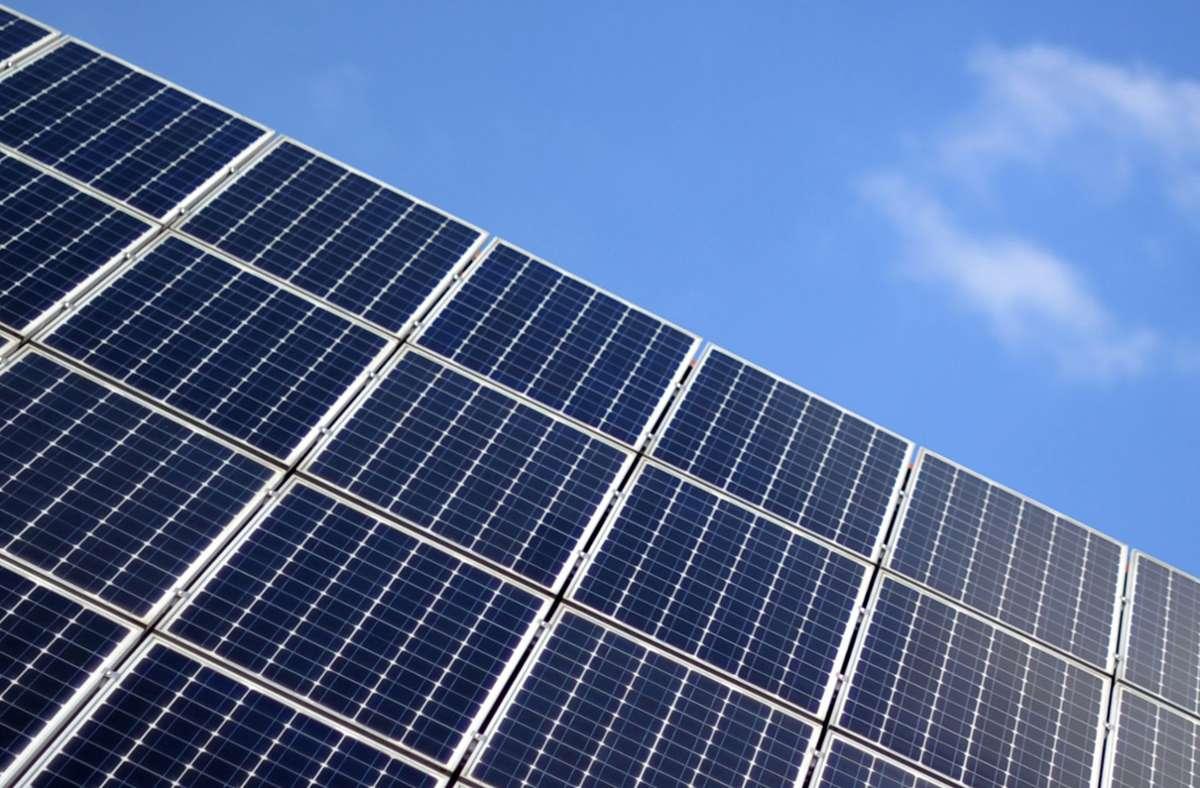 Für eine neue Solaranlage gibt es Zuschuss von der Stadt. Foto: dpa/Daniel Reinhardt