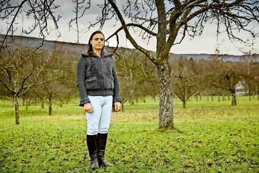Stefanie Rausch an ihrem Lieblingsort bei Bruch. Dort ist sie aufgewachsen. Foto: Frank Eppler